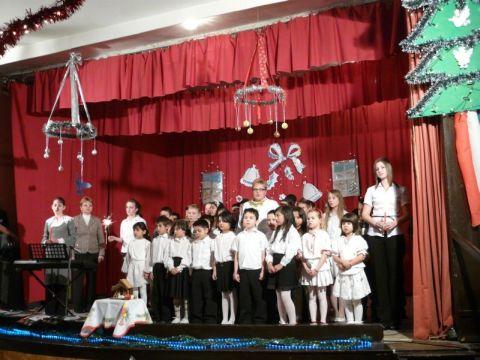 Karácsonyi ünnepség és Betlehem készítés 2010.