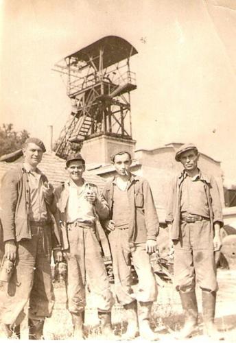 Aknatorony-1950-korul-elotte-Telek-Lajos-aknasz-Darvai-Ferenc-banyasz-Torok-Sandor-Szecsko-Miklos