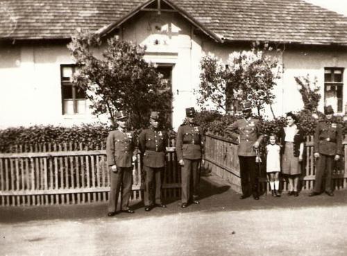 Csendorlaktanya-az-1940-es-evek-elejen-ma-Polgarmesteri-Hivatal