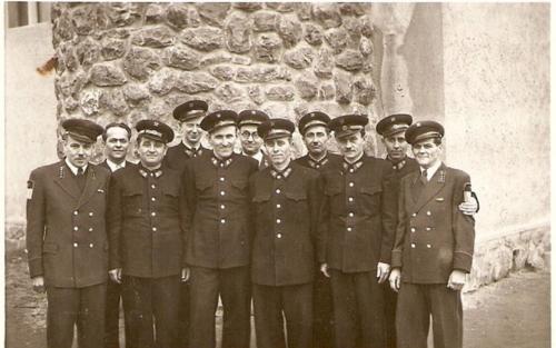 Szucs-banyatelepi-vajariskola-oktatoi-1954